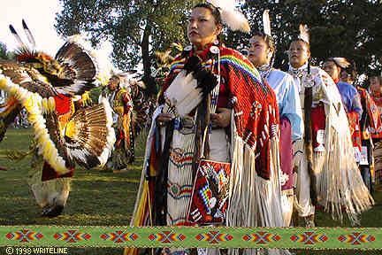 All images Copyright © 1997 - 2000 WriteLine. All Rights Reserved. Fancy Feather and Women's Southern Buckskin dancers
